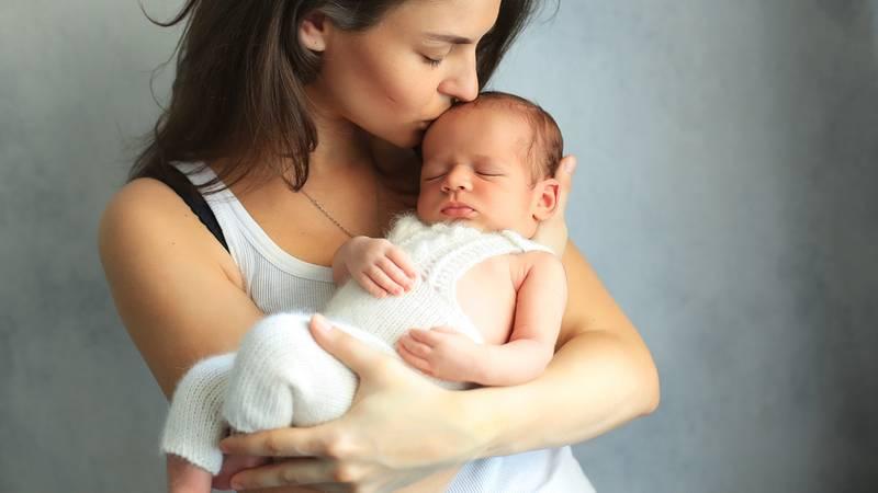 tienermoeder met baby